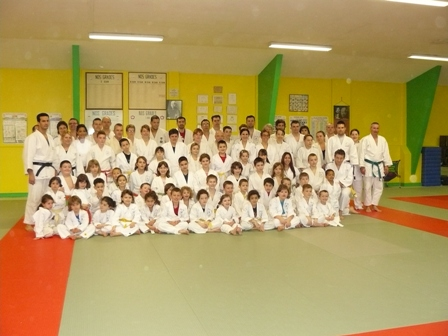 photo-de-groupe-judo-en-famille-web2